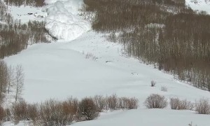 Huge Avalanche Rips Down Mountain