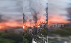 Huge fire breaks out in Chinese government building