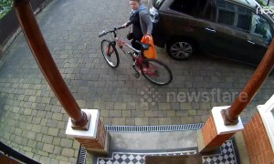 Doorbell cam catches stranger stealing London teen's bike