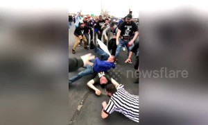Wrestling fans create their own Wrestlemania event in car park