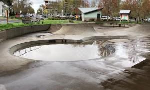 Oregon flooding pools in skatepark and engulfs parking lots