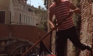 Italian Gondolier Has Low Bridge Mishap