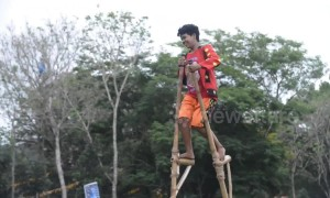 Bizarre race on stilts reaches new heights at hill tribe sports day in the Philippines