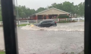 Severe weather causes flash floods in Houston, Texas