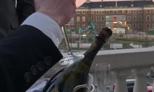 Showing How to Opening Champagne