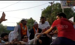 Indian politician gets slapped a political rally