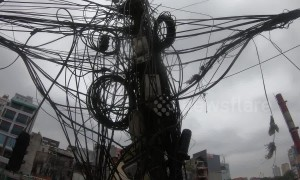 Think your cables are messy? Vietnam powerlines have nightmare knots