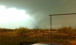 Lightning strikes seen flaring up inside tornado in rural Texas