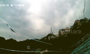 Tyre comes loose off car on Chinese highway and goes flying