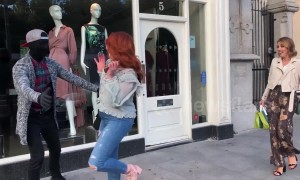 People in Dublin hilariously spooked by 'fake mannequin' prank