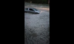 Shocking storm submerges moving cars in Varna, Bulgaria