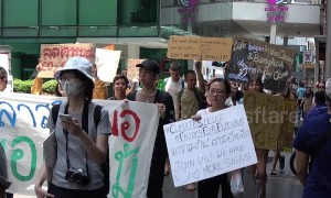 Climate change protesters in Bangkok call on government to cut pollution