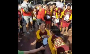 Boyfriend proposes during black Nazarene Festival in front of hundreds of people, Philippines
