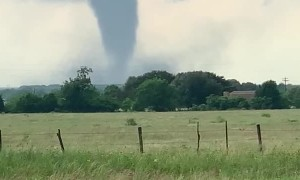 Imposing Tornado Moves Slowly Closer