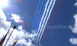 Queen's birthday: Red Arrows fly over Buckingham Palace