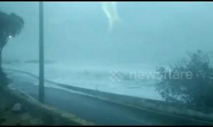 Big waves of Cyclone Vayu batter coast in western India