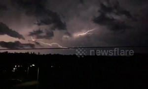 Stunning lightning storm caught streaking across Kent's skyline