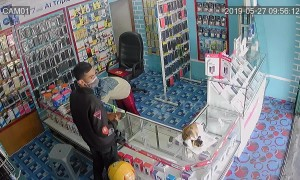 Incompetent Indonesian thief leaves his ID in a shop he robbed