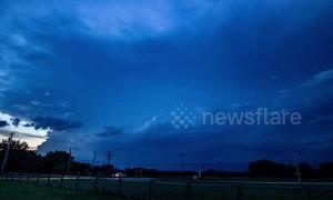 Spectacular lightning storm timelapse in Oklahoma