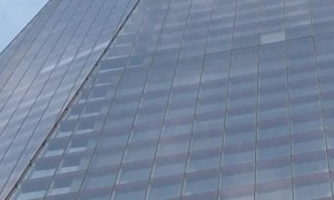 Man Scales Skyscraper with No Safety Ropes