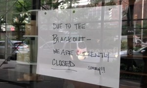 Midtown Manhattan experiences massive blackout