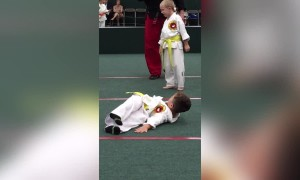 Karate Kid Can't do Somersault