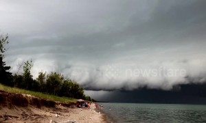 Menacing storm makes its way across Lake Huron, Ontario