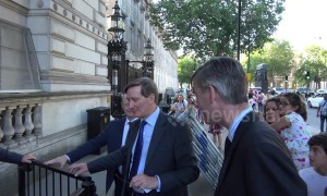 Remainer MP Dominic Grieve heckled en route to Theresa May's farewell drinks party