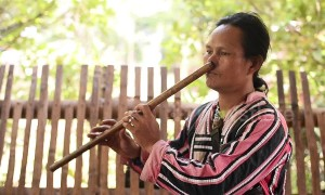 Meet the Filipino tribesman who plays the bamboo flute with his NOSE