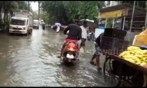 Severe flooding causes traffic disruption on Mumbai streets following heavy monsoon rains