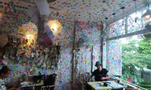 Post-it covered coffee shop in Vietnam redefines 'noteworthy'