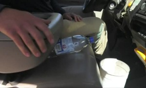 Firefighter warns not to leave plastic bottles in a hot car