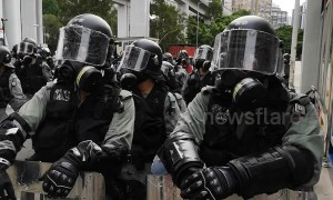 Hong Kong protest: Police crack down on Yuen Long rally