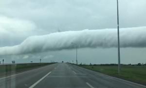 Bizarre cloud formation captured on camera in Osler, Saskatchewan