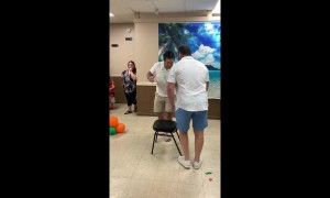 Wrestlers 'get down' in the most intense game of musical chairs