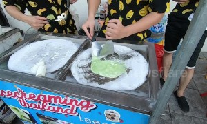 Oddly satisfying ice cream roll in Vietnam
