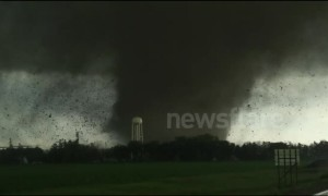 Huge tornado tears through small town in Nebraska