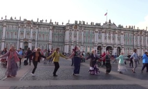 Thousands join annual Russian folk festival in St Petersburg
