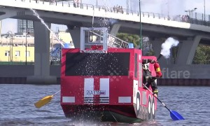 Competition in Russia sees creatively decorated DIY boats race each other