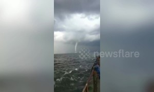Large waterspout spotted in the sea near China's Zhuanghe