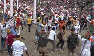 More than 120 injured in Indian stone-pelting festival