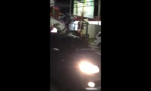 Reckless Aussie jumps onto bonnet of car, fly-kicks man on motorbike in Bali