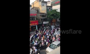 Rush-hour queues in Vietnam go on FOREVER