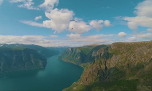Up Close and Personal with Acro-Paraglider