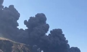 Incredible Smoke From Stromboli's Eruption