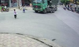 Bicycle Rides into Trucks Blindspot