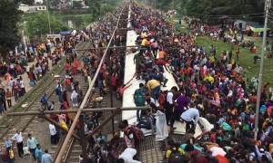 Time-Lapse of Bangladeshi Train Boarding
