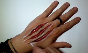 Artist shows off insanely realistic Halloween claw mark