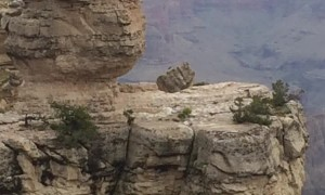 Man Sprints Around the Edge of the Grand Canyon