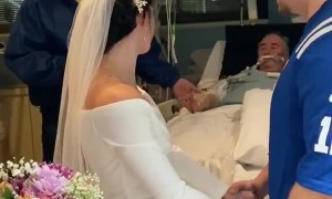 This couple gets married at the ICU in front of the bride's dying father!